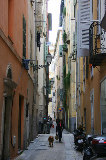 Narrow street in Old Nice