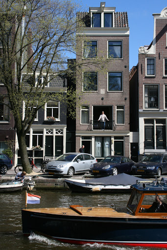 Skinny houses.  This was our guesthouse at 555 Prinsengracht