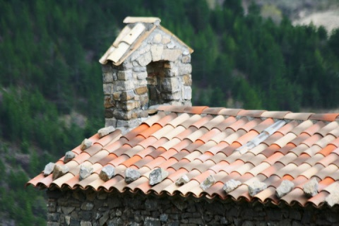 Tile roof, exquisite colors
