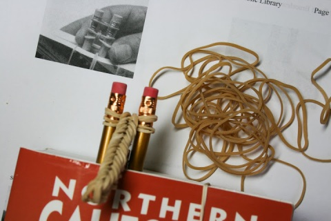 Rubber-bands link to form a chain