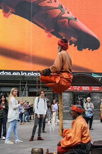 Street performer in the Puerta del Sol