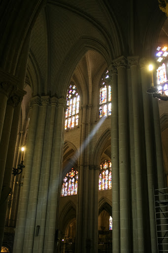 Ray of light, Toledo Cathedral